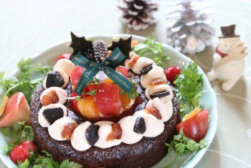 黒にんにくの薬膳クリスマスケーキ