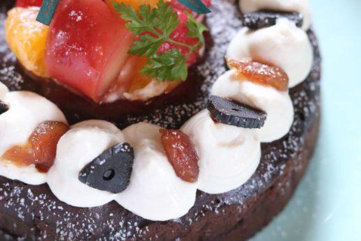 アンチエイジング黒にんにくの薬膳クリスマスケーキのお豆腐クリーム